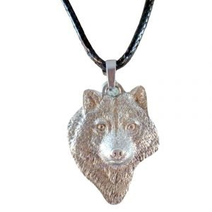 Front facing wolf necklace 1663