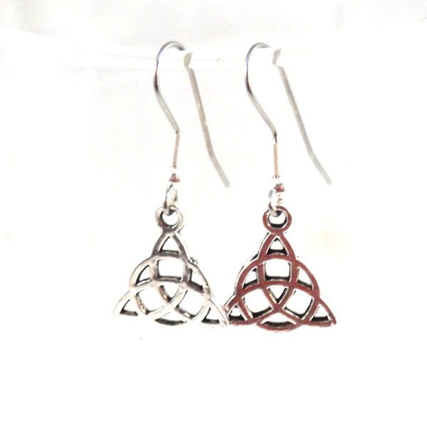 Small triquetra earrings 1743